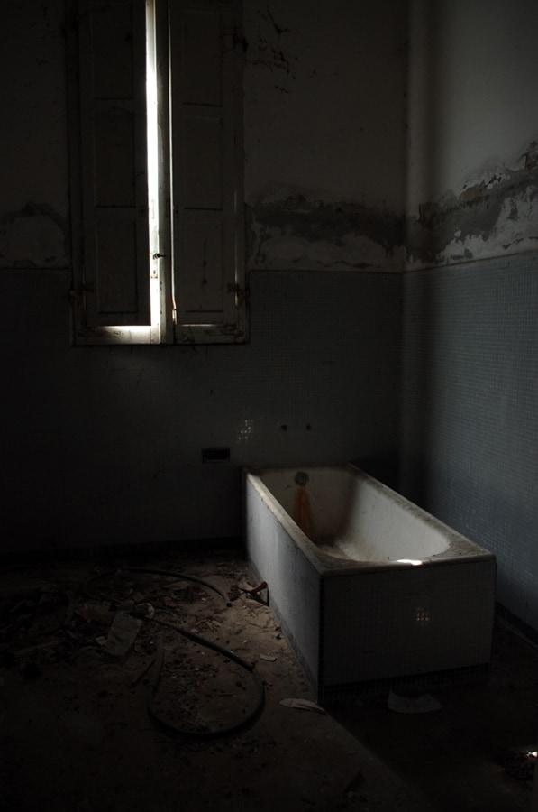 Vasca per il bagno assistito