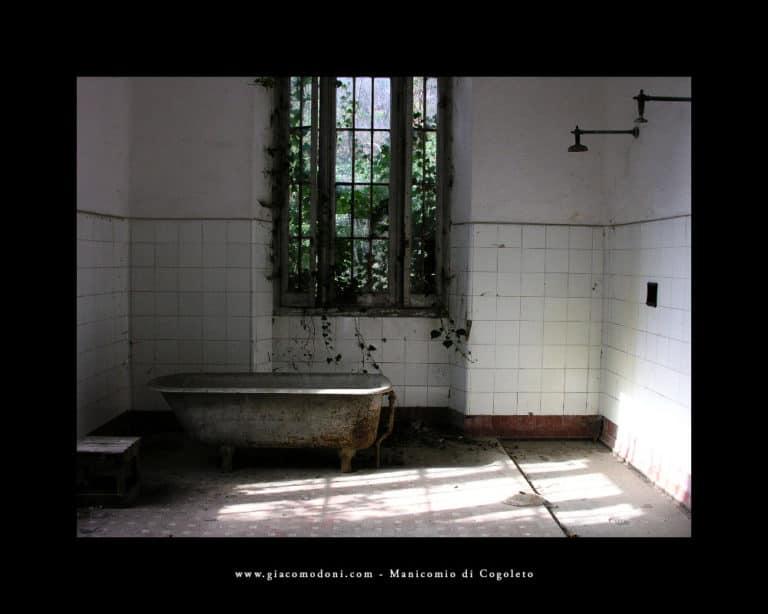 Vasca per il bagno asistito