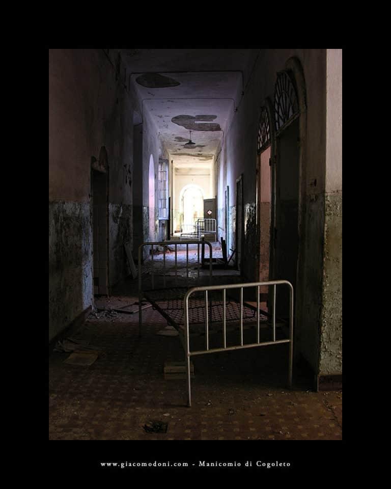 Corridoio con letti